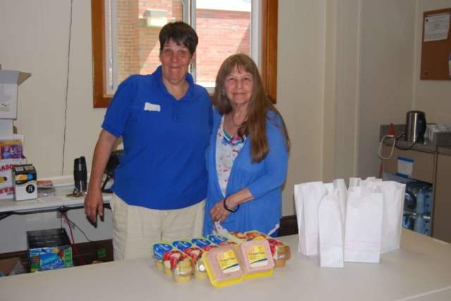 Packing Lunches for volunteer opportunity